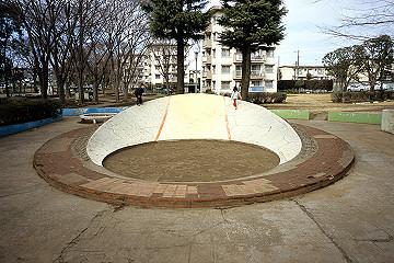 200502船橋市高根台団地内の公園